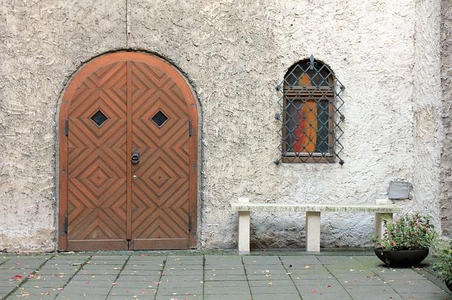 Drzwi harmonijkowe i inne elementy wyposażenia domu