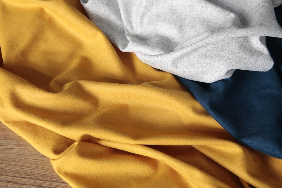 Hurtownia materiałów tapicerskich - co można znaleźć w jej ofercie?