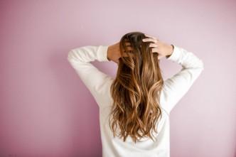 Dlaczego wypadają włosy?