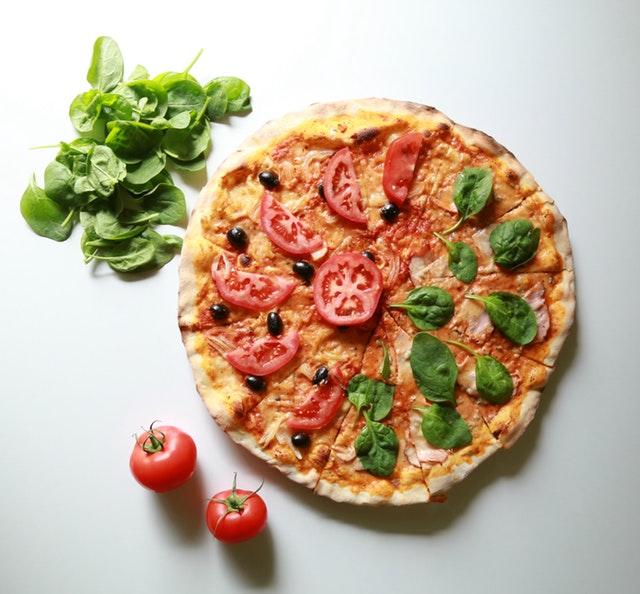 Pizza: danie, które kochają Polacy